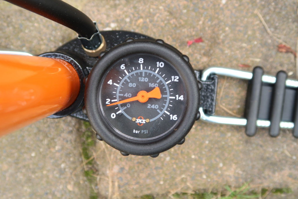 SKS Rennkompressor Manometer